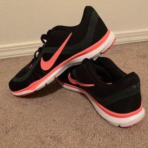 Nike Shoes - Nike Training Flex TR 6 Size 11 Women's